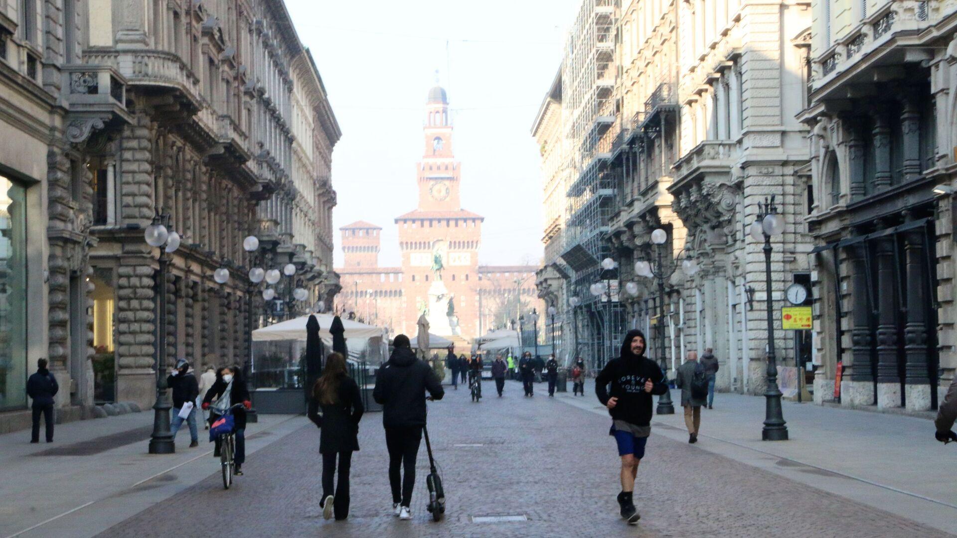 Vista su Castello Sforzesco a Milano - Sputnik Italia, 1920, 14.04.2021