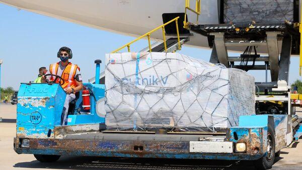 L'aereo con il vaccino russo contro il coronavirus Sputnik V arrivato in Argentina - Sputnik Italia