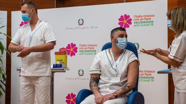 L'inizio della vaccinazione anti-Covid 19 in Italia - Sputnik Italia
