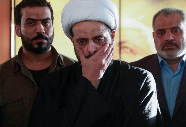 Asaib Ahl al-Haq comandante della milizia Qais al-Khazali presso la tomba di Abu Mahdi al-Muhandis ad Al-Najaf, Iraq - Sputnik Italia