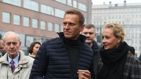 Alexey Navalny with wife Yulia - Sputnik Italia