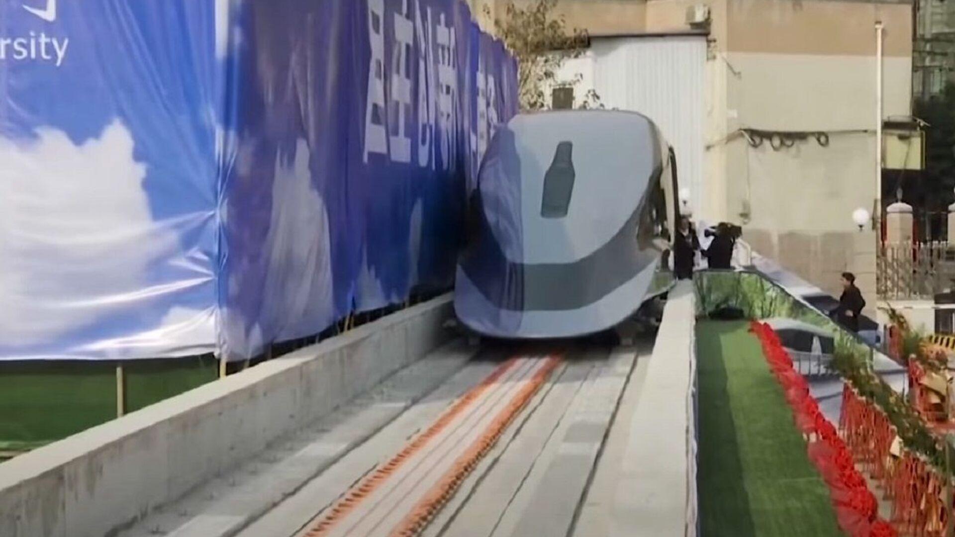 Un treno maglev cinese - Sputnik Italia, 1920, 20.07.2021