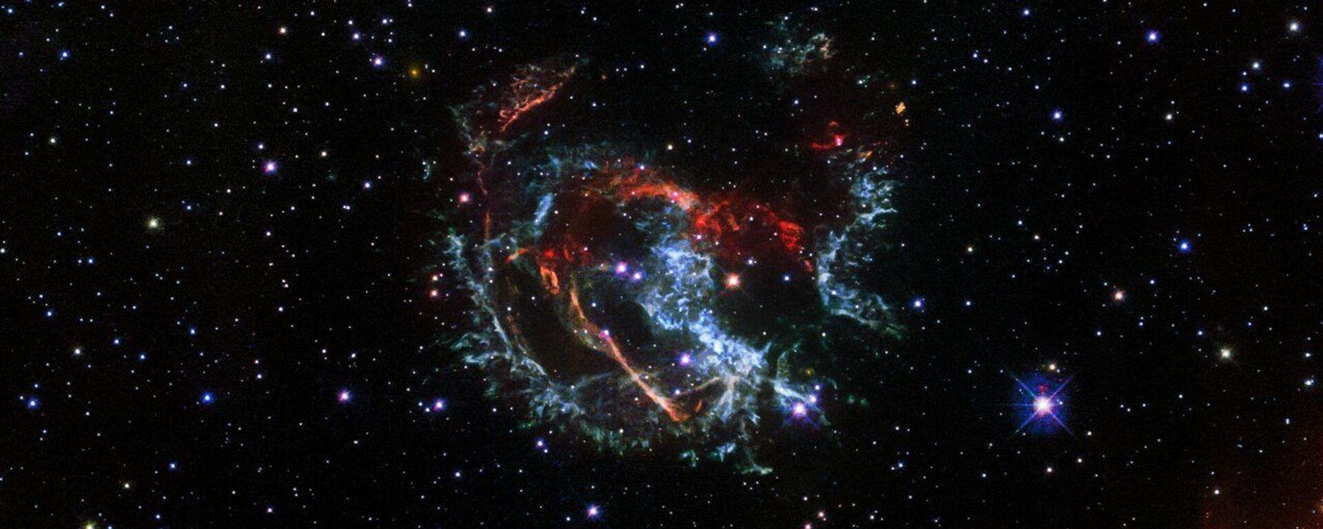 Una foto della supernova 1E 0102.2-7219, fatta con il telescopio spaziale Hubble  - Sputnik Italia, 1920, 04.09.2021