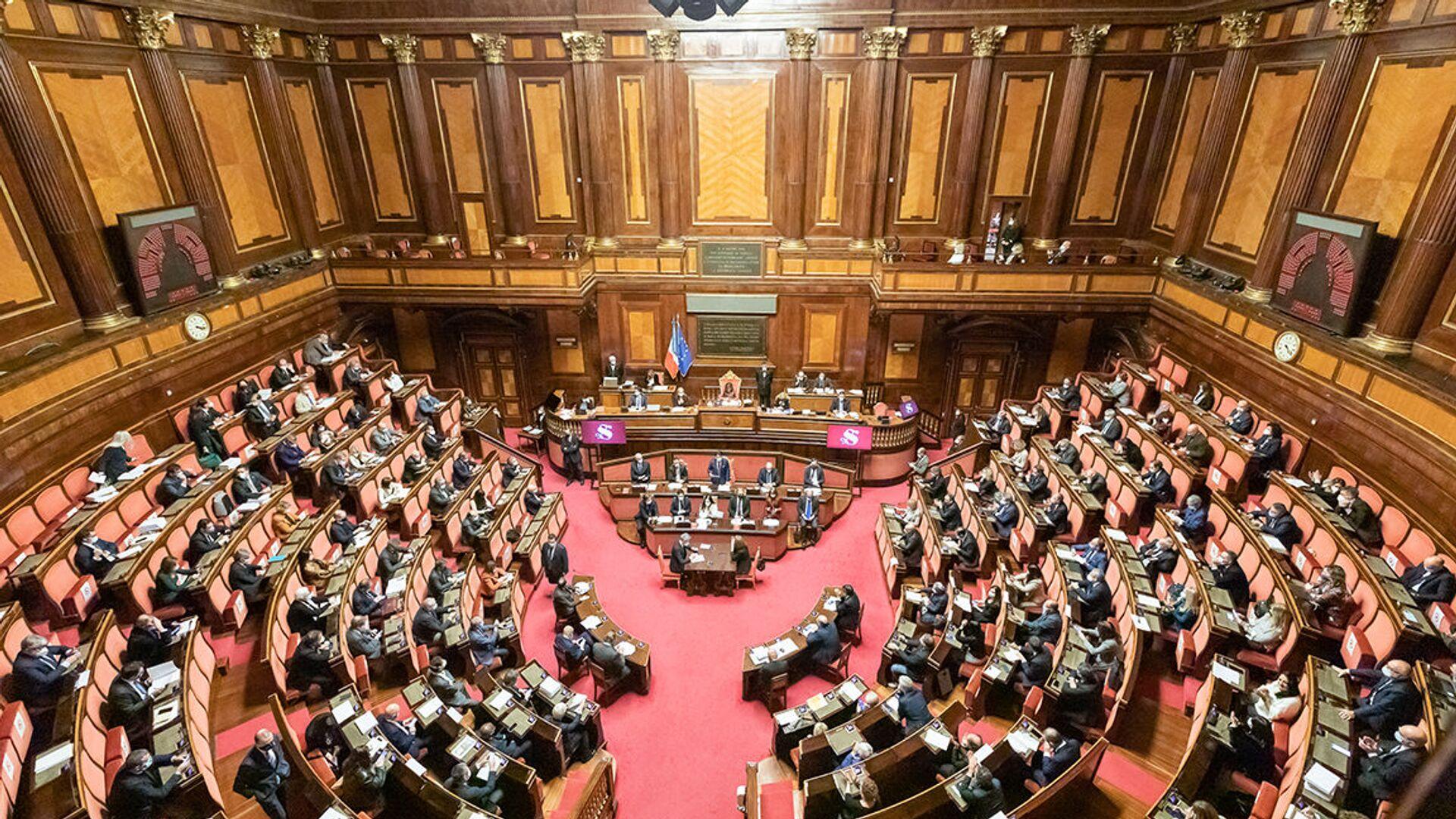 Senato della Repubblica, le Comunicazioni del Presidente Conte in vista del Consiglio europeo del 10-11 dicembre - Sputnik Italia, 1920, 14.07.2021