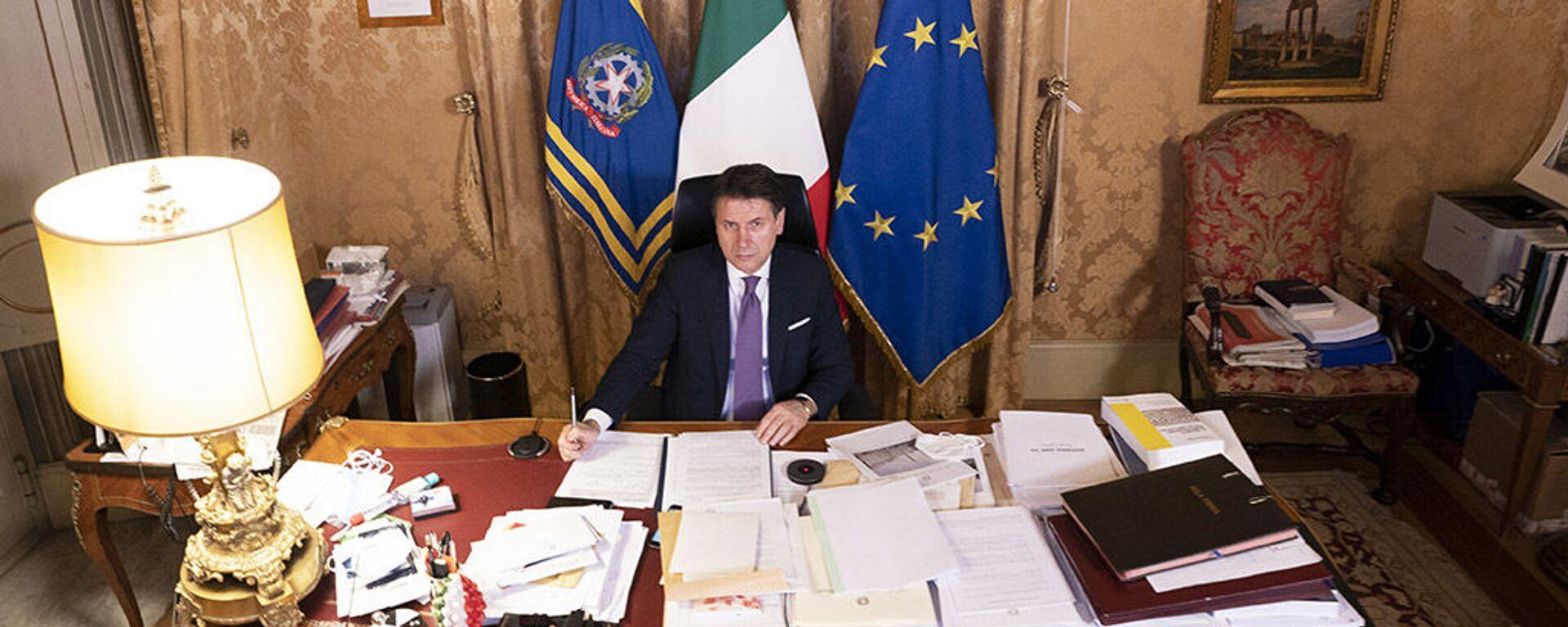 Giuseppe Conte a Palazzo Chigi - Sputnik Italia, 1920, 03.02.2021