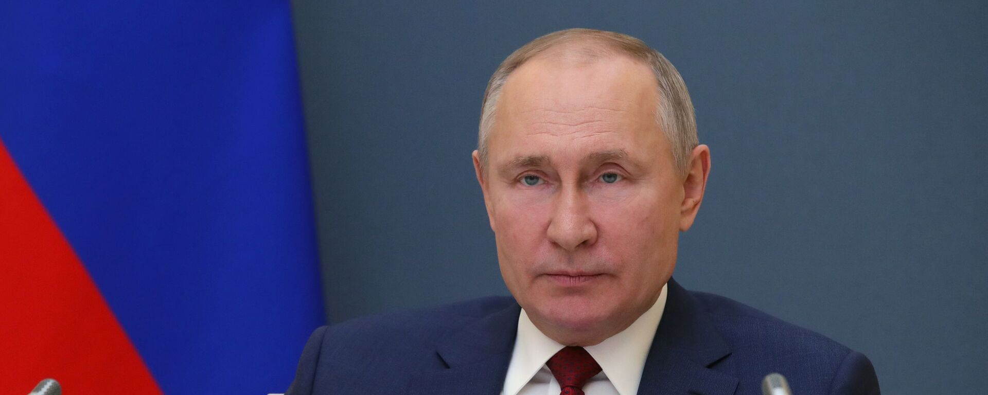 Russian President Vladimir Putin addresses the participants of the World Economic Forum's annual meeting in Davos on 27 January 2021 - Sputnik Italia, 1920, 21.03.2021