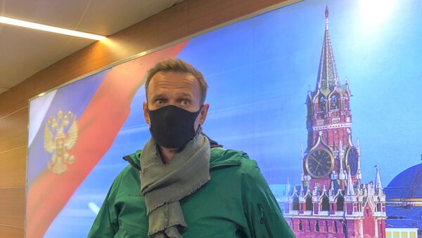 Russian opposition leader Alexei Navalny arrives in Moscow - Sputnik Italia