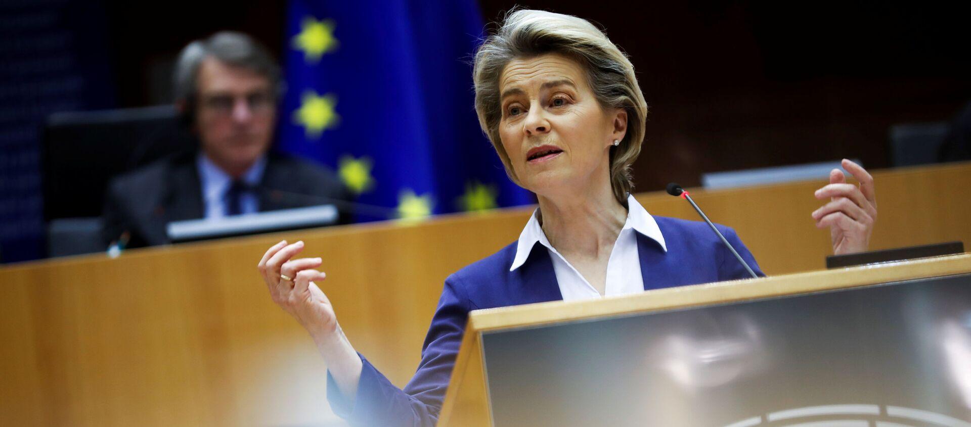 La presidente della Commissione Europea, Ursula von der Leyen - Sputnik Italia, 1920, 05.02.2021