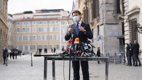Giuseppe Conte incontra la stampa  - Sputnik Italia