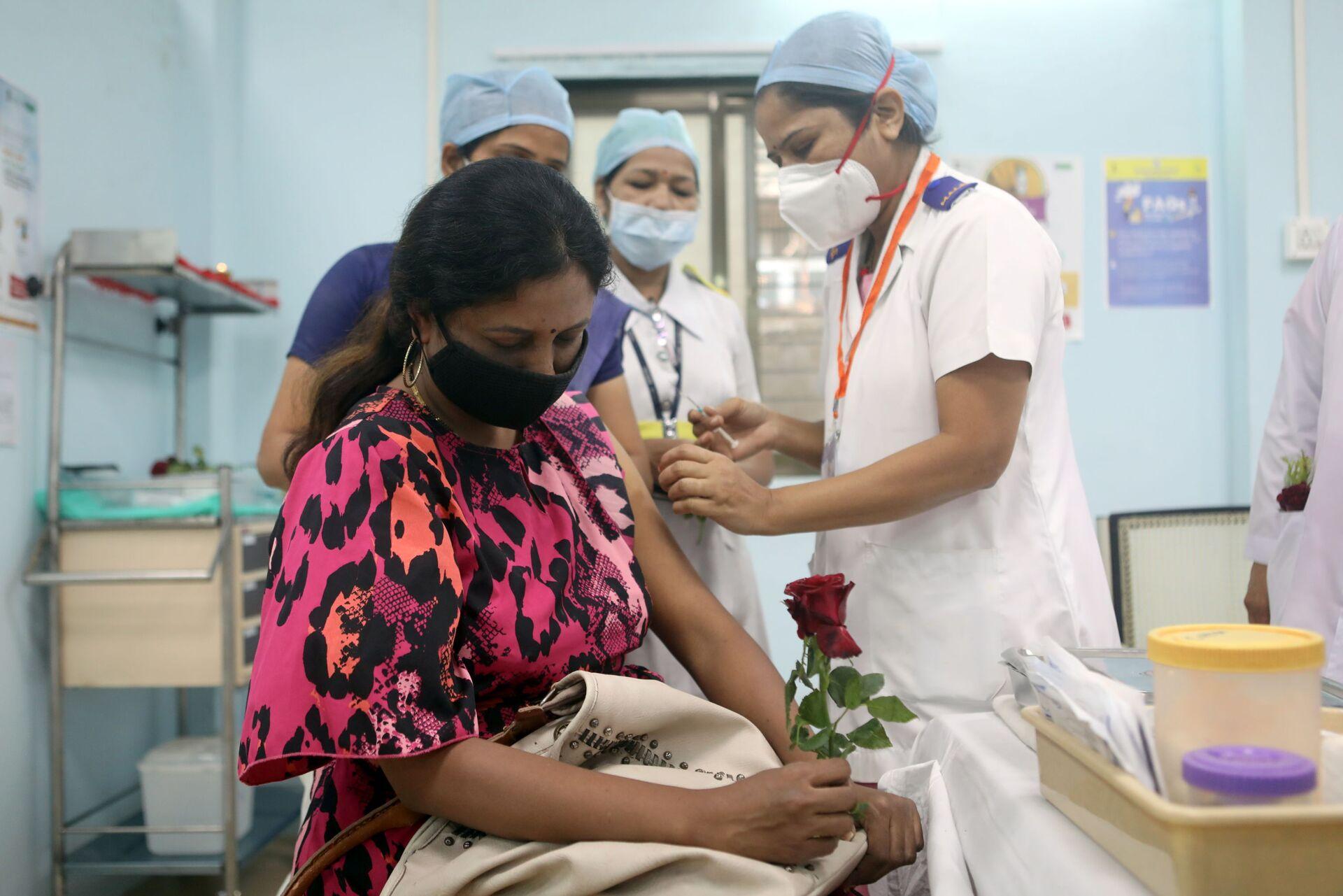 India, Pfizer ritira la domanda per l'approvazione di emergenza del suo vaccino - Sputnik Italia, 1920, 05.02.2021
