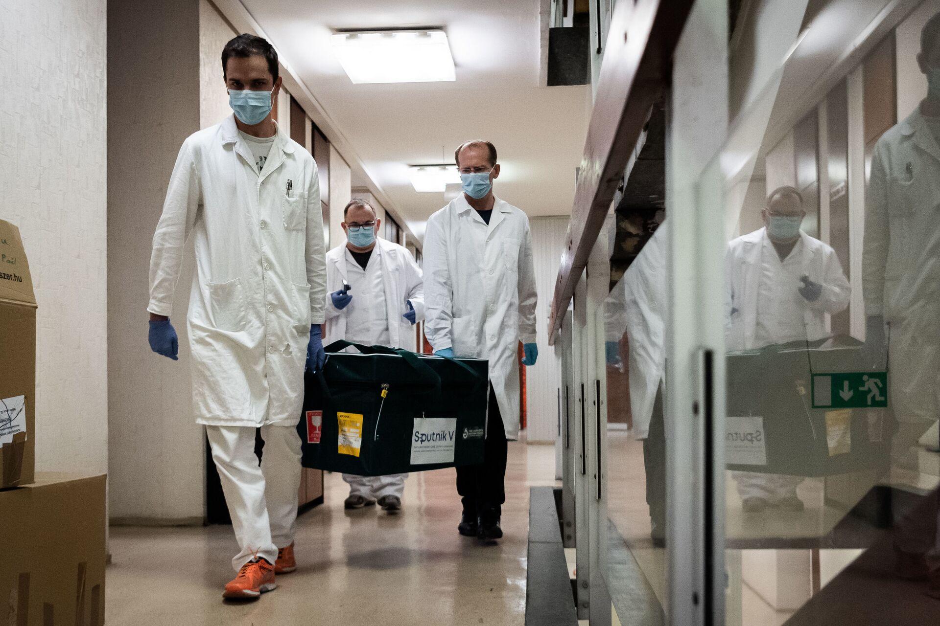 Bahrain approva l'utilizzo di emergenza del vaccino russo anti-Covid Sputnik V - Sputnik Italia, 1920, 10.02.2021