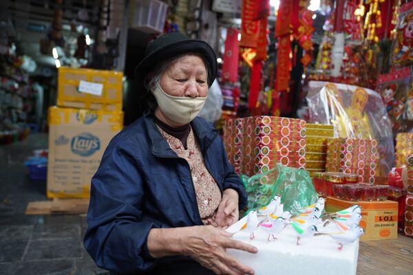 I residenti di Hanoi si preparano per il Capodanno Lunare che si celebrerà venerdì 12 febbraio.  - Sputnik Italia