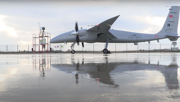 Un drone turco Akinci - Sputnik Italia