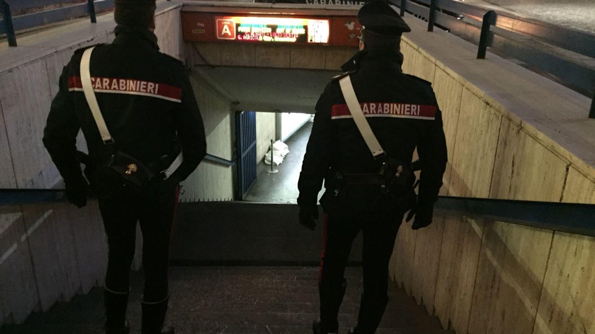 Controlli dei carabinieri alla stazione Termini - Sputnik Italia, 1920, 28.05.2021