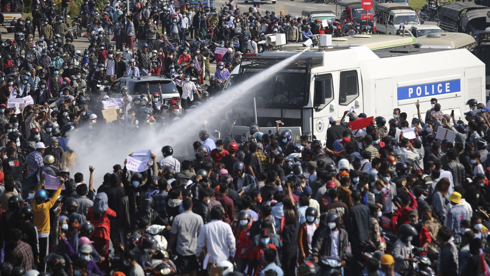 Proteste in Myanmar, Feb. 8, 2021.  - Sputnik Italia, 1920, 15.02.2021