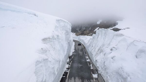 Una strada in Norvegia - Sputnik Italia