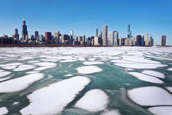 Ghiaccio sul lago Michigan, USA - Sputnik Italia