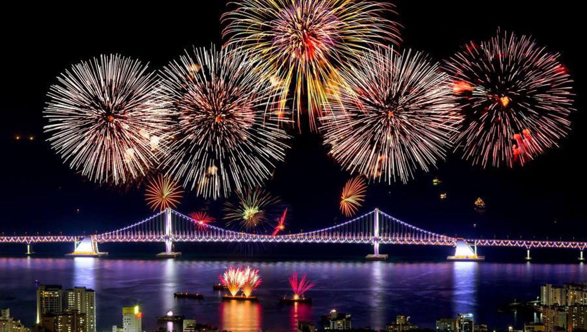 Fuochi d'artificio nella Corea del Sud - Sputnik Italia, 1920, 12.02.2021