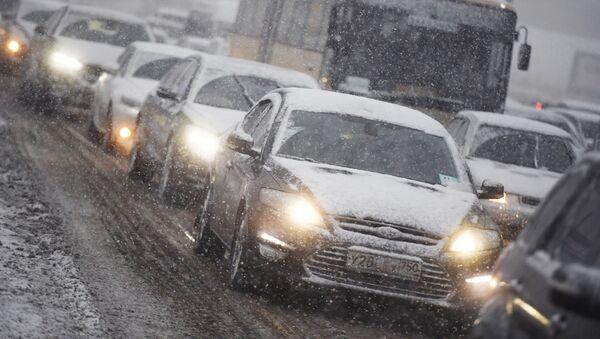 Circolazione stradale, neve - Sputnik Italia
