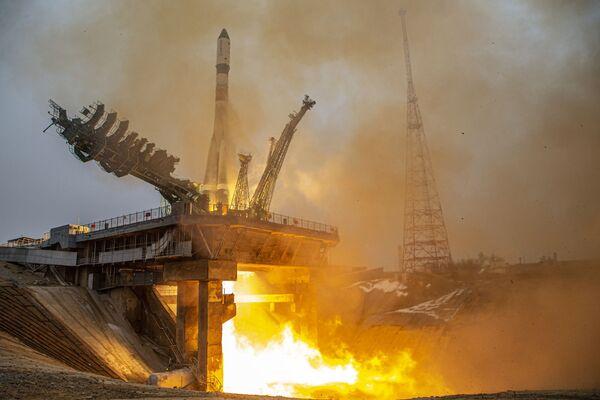 Il cargo spaziale russo Progress MS-16 è decollato dal cosmodromo di Baikonur in Kazakistan alle 4.45.06 del 15 febbraio. - Sputnik Italia