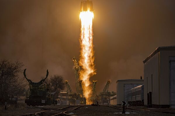 Il lancio del cargo spaziale russo Progress MS-16 verso la Stazione Spaziale Internazionale - Sputnik Italia