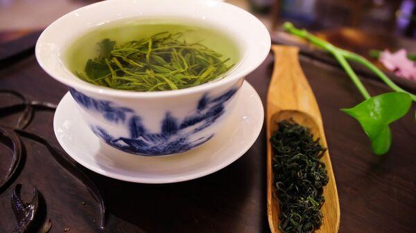 Чашка с зеленым чаем - Sputnik Italia
