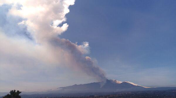L'eruzione dell'Etna in Sicilia - Sputnik Italia
