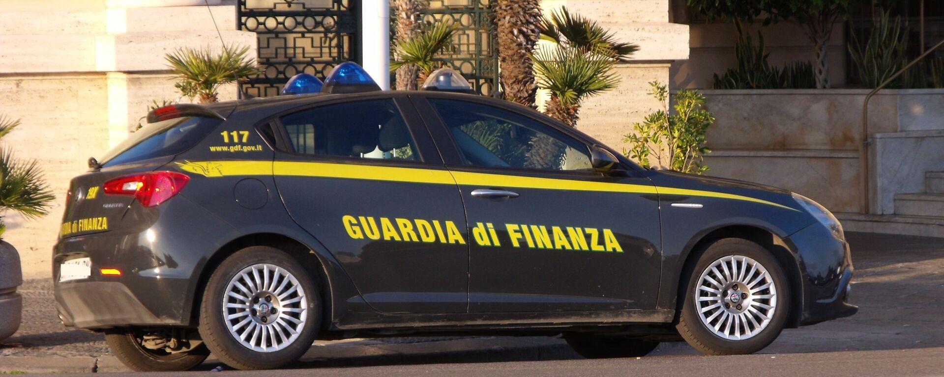 Autovettura guardia di finanza - Sputnik Italia, 1920, 30.07.2021
