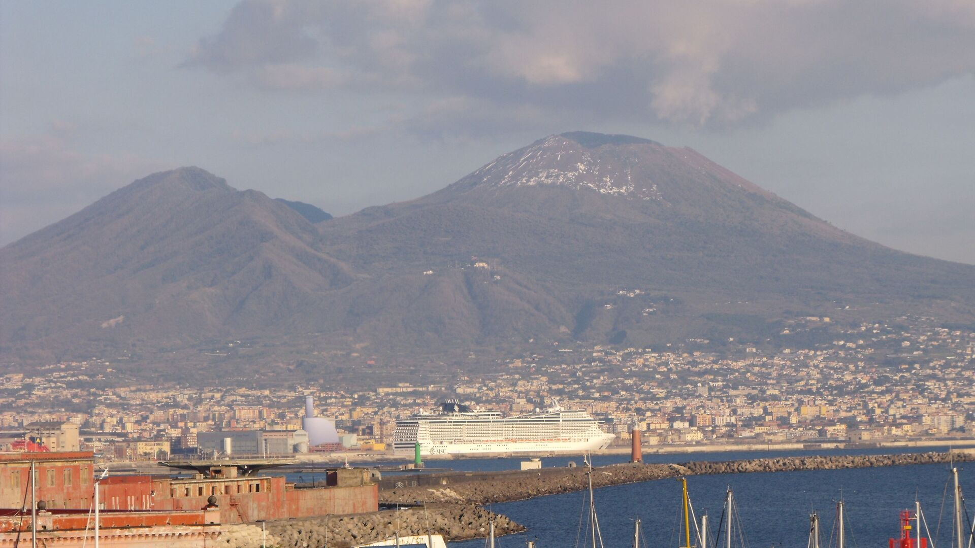 Golfo di Napoli e Vesuvio  - Sputnik Italia, 1920, 29.04.2021