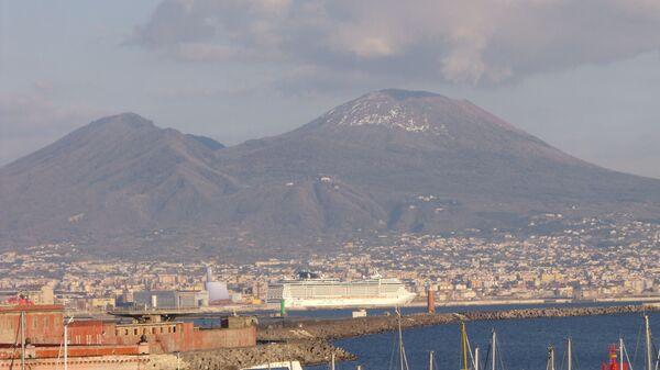 Golfo di Napoli e Vesuvio  - Sputnik Italia