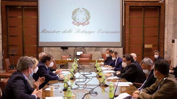 Il Ministro Giorgetti ha incontrato Farmindustria e Aifa, insieme al Commissario Figliuolo e al Sottosegretario Gabrielli - Sputnik Italia