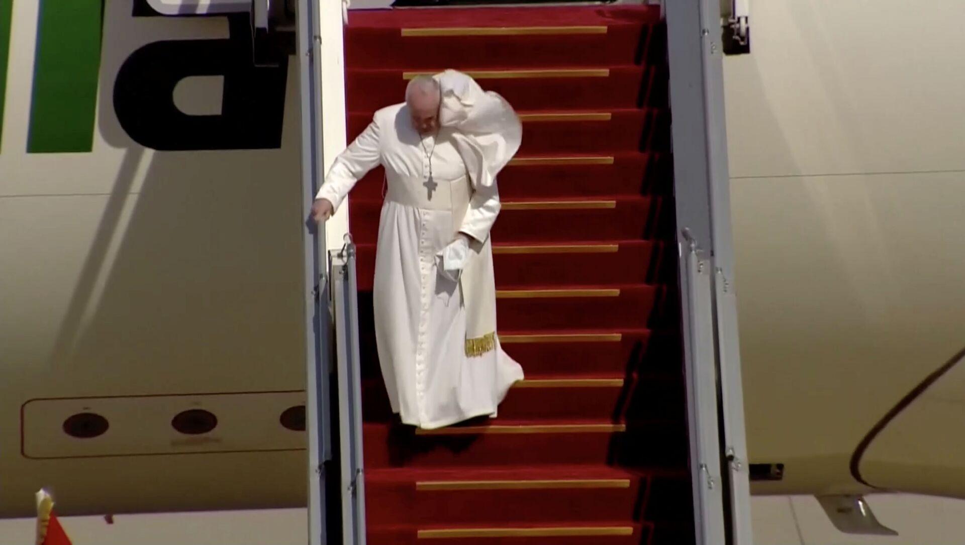 Il Papa Francesco arriva a Baghdad nella prima visita internazionale durante la crisi pandemica - Sputnik Italia, 1920, 05.03.2021
