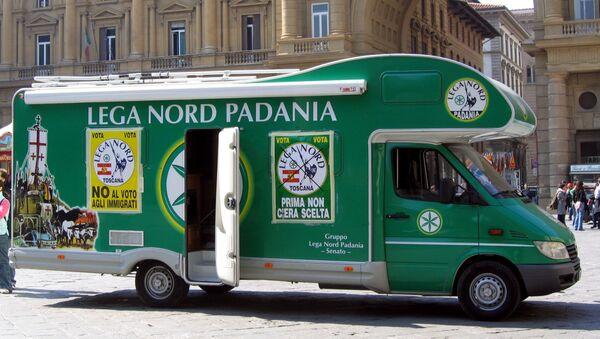 Un autobus del partito Lega Nord - Sputnik Italia