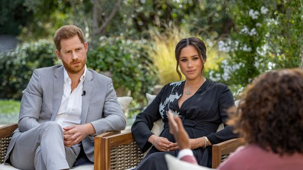 Il principe Harry e Meghan, duchessa del Sussex, vengono intervistati da Oprah Winfrey - Sputnik Italia