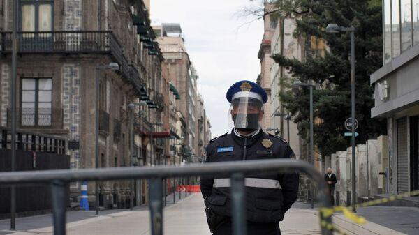 Un poliziotto in Messico - Sputnik Italia