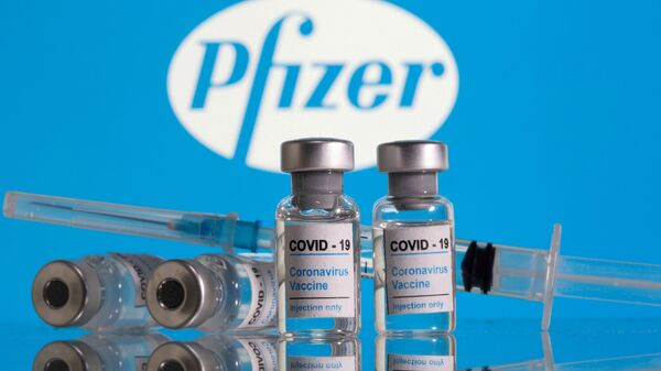 Vaccino Pfizer - Sputnik Italia