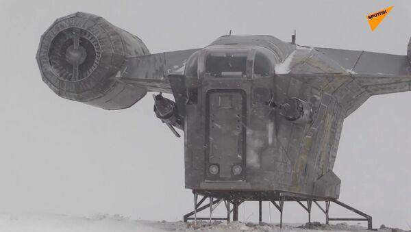 Star Wars, fan costruisce una replica dell'astronave di The Mandalorian in Siberia - Sputnik Italia