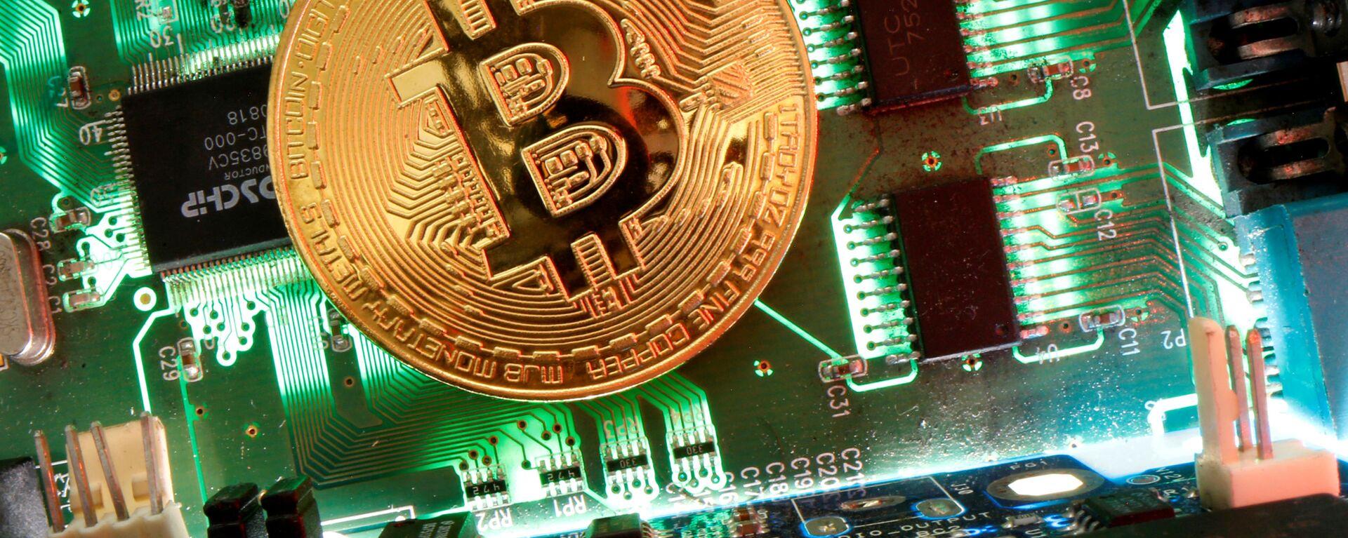 Bitcoin - Sputnik Italia, 1920, 01.04.2021