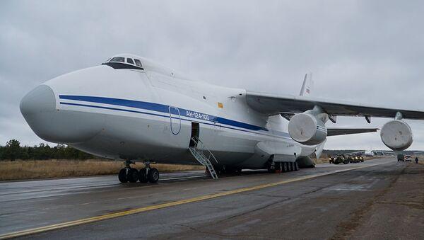 Самолет Ан-124 «Руслан» на аэродроме Еревана, Армения - Sputnik Italia