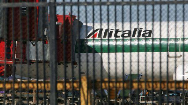 Airbus A321-100 di Alitalia - Sputnik Italia