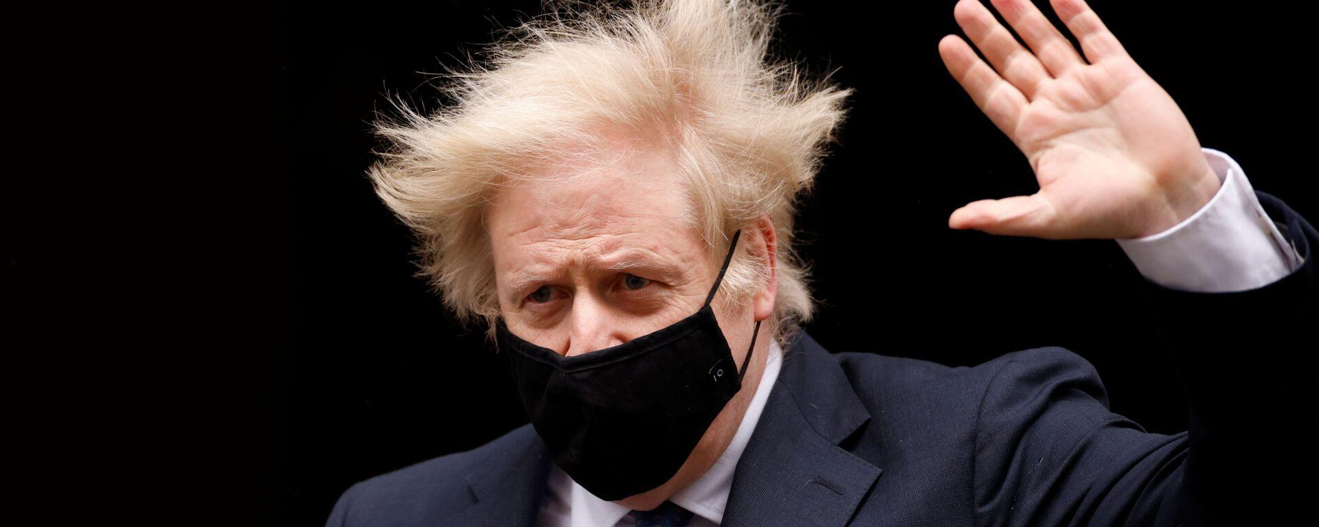 Britain's Prime Minister Boris Johnson gestures outside Downing Street in London, Britain, March 10, 2021 - Sputnik Italia, 1920, 20.07.2021