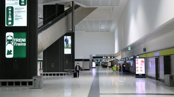 Aeroporto vuoto a Milano - Sputnik Italia
