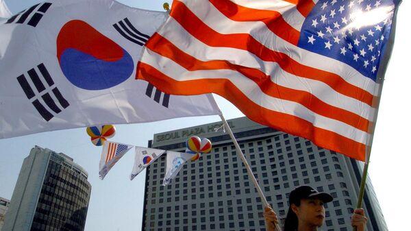 Bandiere USA e Corea del Sud - Sputnik Italia
