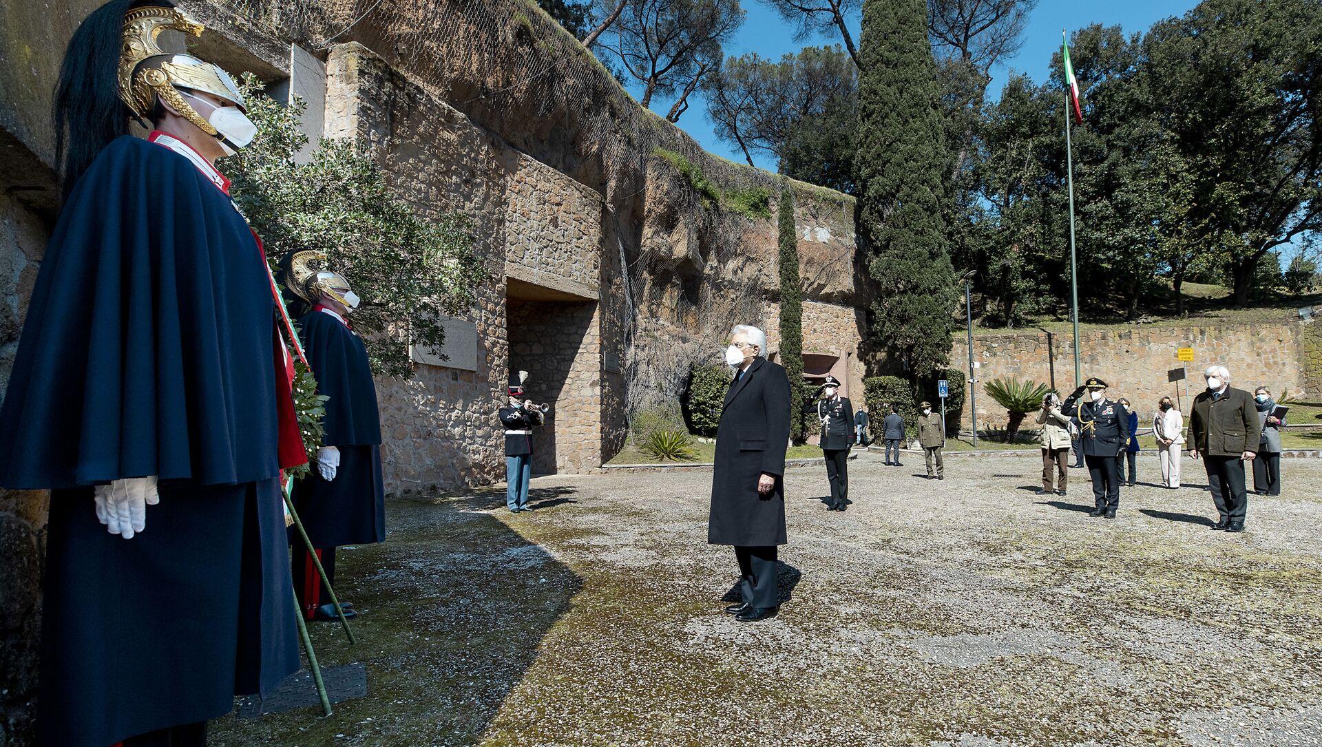 Il presidente Sergio Mattarella alla commemorazione del 77° anniversario del massacro nazista alle Fosse Ardeatine, Roma 24 marzo 2021 - Sputnik Italia, 1920, 24.03.2021