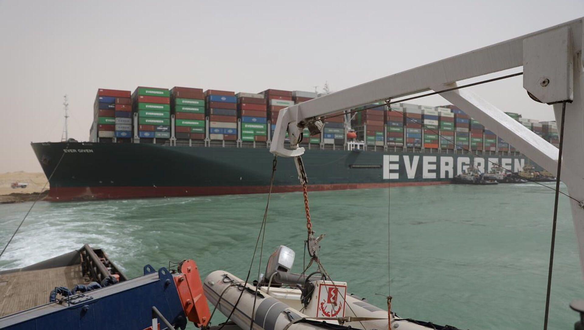 La nave cargo Ever Given arenata sul Canale di Suez - Sputnik Italia, 1920, 27.03.2021