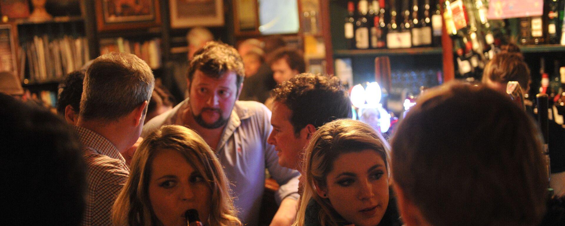 In un pub di Dublino - Sputnik Italia, 1920, 25.03.2021