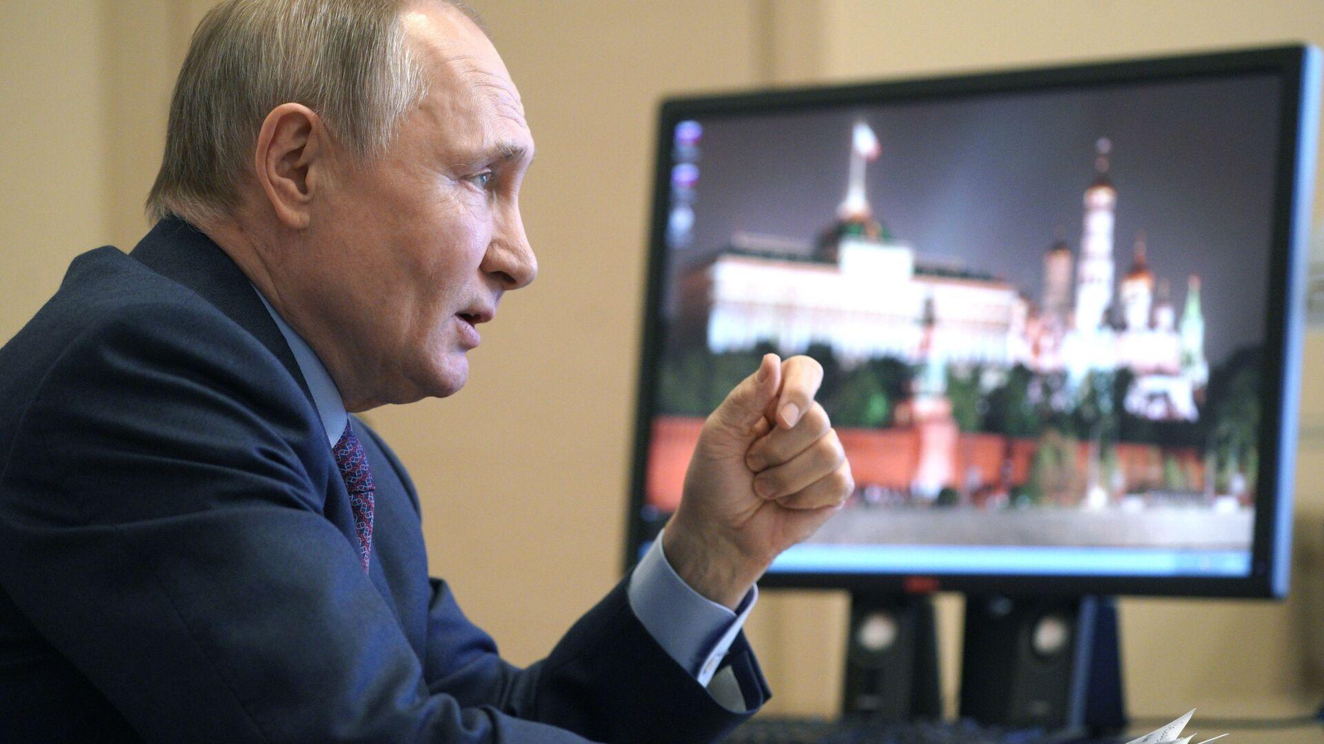Russian President Vladimir Putin speaking to vaccine producers. March 22, 2021. - Sputnik Italia, 1920, 14.04.2021