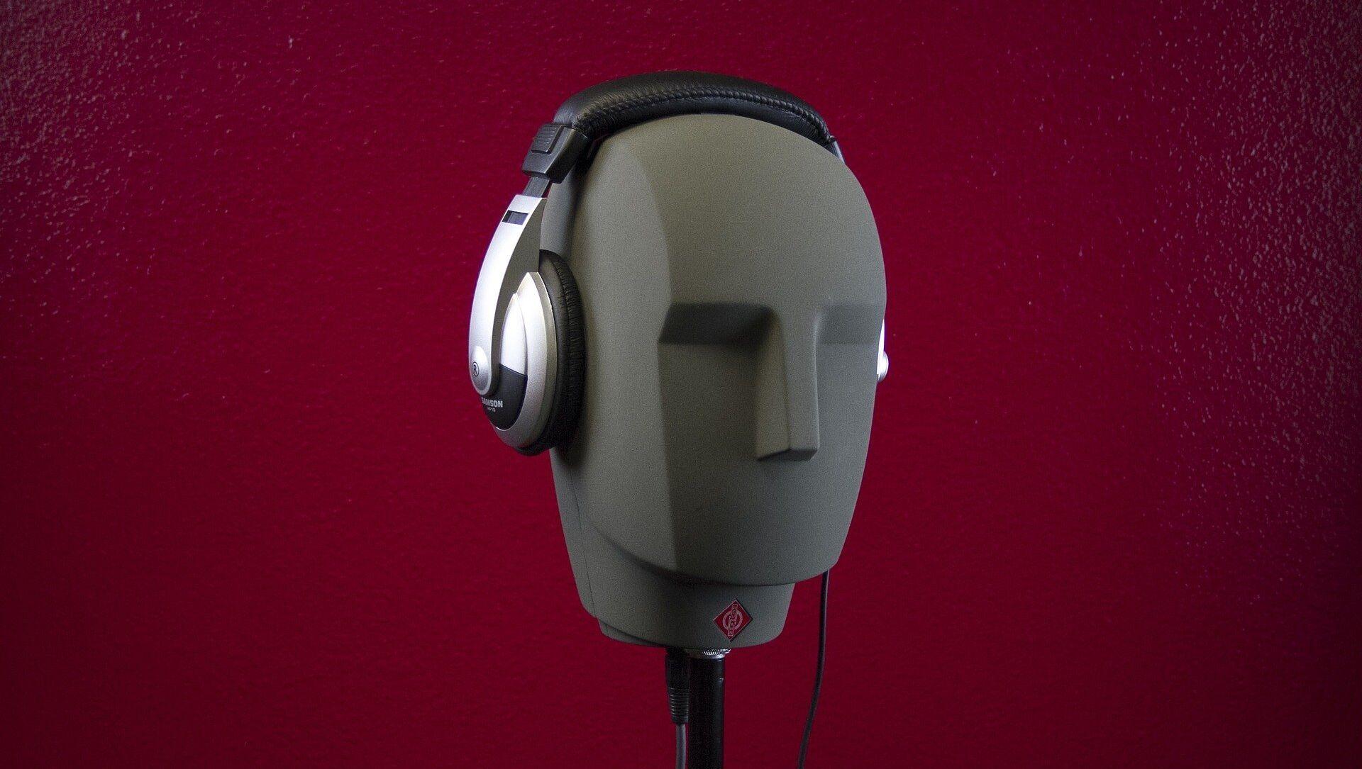 Headphones on a Mannequin - Sputnik Italia, 1920, 29.03.2021