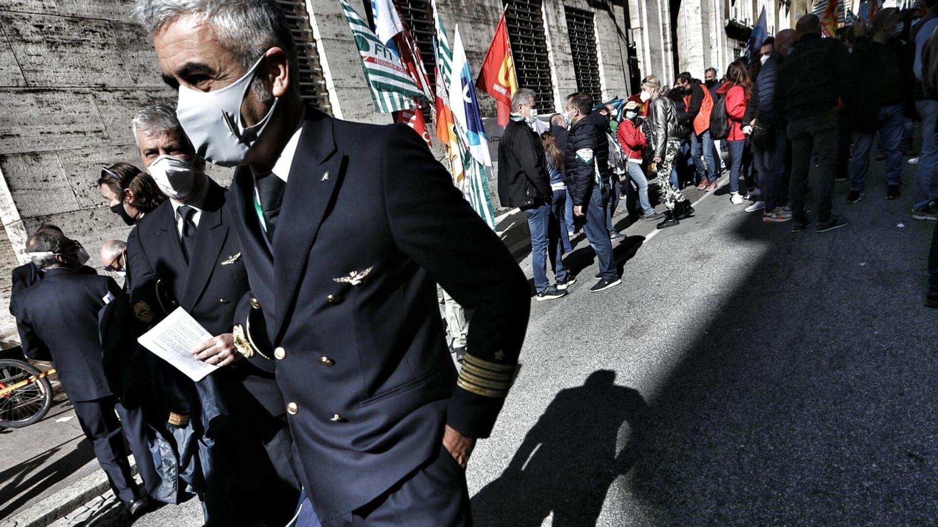 Presidio lavoratori Alitalia al MISE - Sputnik Italia, 1920, 14.04.2021