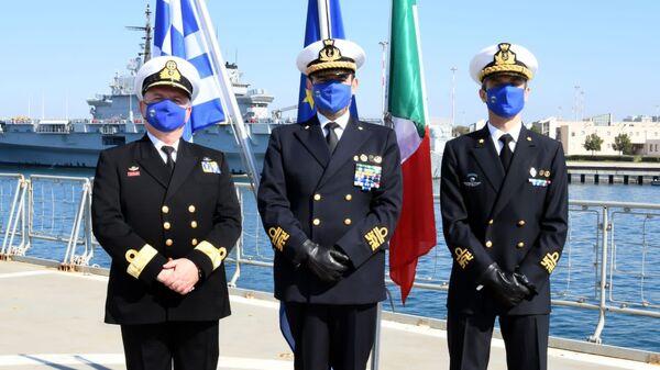 Ammiraglio Fabio Agostini all'insediamento del nuovo Force Commander dell'Operazione EUNAVFOR MED IRINI, il Contrammiraglio della Marina Militare italiana, Stefano Frumento - Sputnik Italia